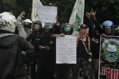 Terror anti de la separación 88 de la policía de la protesta del rechazo en Chester Indonesia Imagenes de archivo