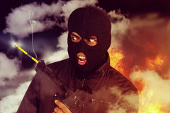Terrorist hielt bei sich einen Bleistift kurz auf lizenzfreies stockfoto