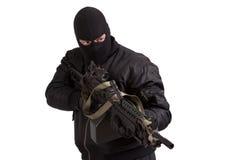 Terrorist mit dem Maschinengewehr lokalisiert stockfoto