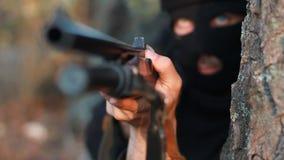Terrorista enmascarado almacen de metraje de vídeo