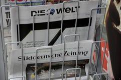 TERRORISTE ATTAQUÉ EN PAGES DE COUVERTURE DE BERLIN photographie stock