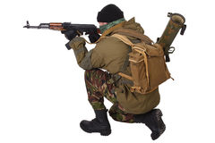 Terroriste avec le fusil de kalachnikov image stock