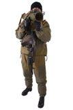 Terroriste avec le fusil de kalachnikov avec le lance-grenades de sous-baril image stock