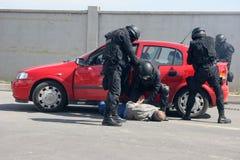 """Terrorister för polistrupplås med bombarderar i en bil i staden av Sofia, Bulgarien†""""september, 11,2007 brottslig plats brottsl Arkivfoto"""