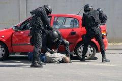 """Terrorister för polistrupplås med bombarderar i en bil i staden av Sofia, Bulgarien†""""september, 11,2007 brottslig plats brottsl Royaltyfri Foto"""