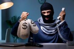 Terrorystyczny pytać dla pieniądze okupu nad telefonem Fotografia Royalty Free
