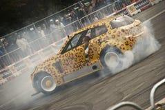 Terry Grant faz um programa demonstrativo da tração no Roadshow Renault Fotografia de Stock Royalty Free