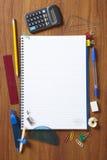 Terug naar de leerlingenblocnote van de School en stationair Royalty-vrije Stock Foto