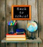 Terug naar School Boeken en schoolhulpmiddelen Royalty-vrije Stock Foto's