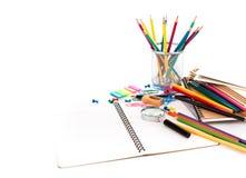 Terug naar school: Schoolkantoorbehoeften Stock Afbeelding