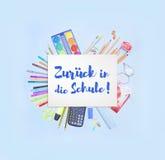 Terug naar Schoolbanner die terug naar School in Duitse Zurà ¼ CK in matrijs Schule zeggen Stock Afbeeldingen