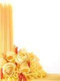 Terug ontworpen (aangestoken) macaroni royalty-vrije stock afbeeldingen
