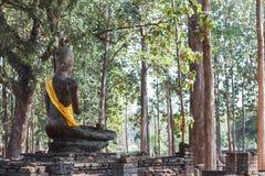 Terug van het Standbeeld van Boedha bij Wat Pra Khaeo Kamphaeng Phet-Provincie, Thailand Stock Fotografie