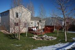 Terug van twee-verhaal huis in de winter Stock Fotografie