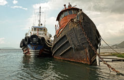 Teruggetrokken sleepbootboten Stock Afbeelding