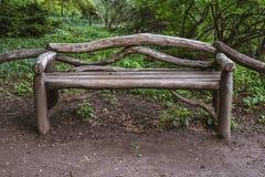 Teruggewonnen oude houten stoel stock fotografie