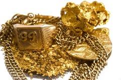 Terugwinning van oude juwelen stock foto