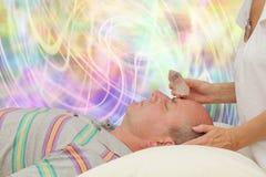 Terzo occhio d'equilibratura Chakra con quarzo terminato Fotografie Stock Libere da Diritti