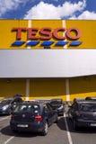 Tesco firmy logo na supermarketa budynku Obraz Stock