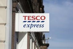 Tesco uttryckligt tecken, station Rd, Nottingham, Nottinghamshire, UK royaltyfria foton