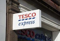 Tesco uttryckligt tecken, station Rd, Nottingham, Nottinghamshire, UK royaltyfri fotografi
