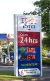 Tescos Treibstoff-Zeichen Lizenzfreies Stockfoto