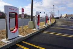 Tesla ładuje stacje odsłaniać w Danbury zdjęcia royalty free