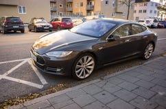 Tesla моделирует s, полноразмерное все-электрическое роскошное liftback Стоковая Фотография