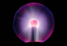 Tesla-Energieball schaltete Licht über langer Belichtung ein Lizenzfreie Stockfotos