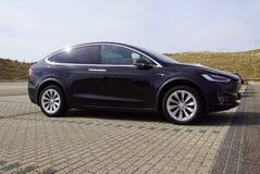 Tesla modela X boczny widok fotografia royalty free