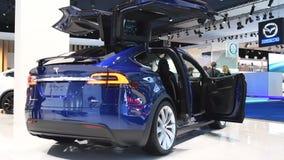 Tesla Modelx 90D al elektrisch, luxe, oversteekplaats SUV stock footage
