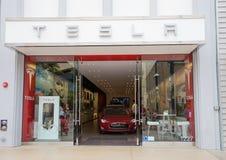 Tesla Samochodowy sklep Fotografia Royalty Free
