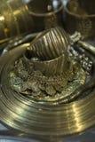 Tesoro, montón de la joyería nupcial de oro oriental hermosa Indi Imágenes de archivo libres de regalías
