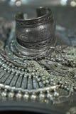 Tesoro, montón de la joyería nupcial de plata oriental hermosa (Indi Fotos de archivo