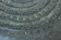 Tesoro, montón de la joyería nupcial de plata oriental hermosa Indi Fotografía de archivo libre de regalías