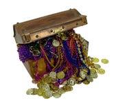 Tesoro variopinto del pirata con le monete di oro Immagine Stock