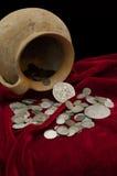 Tesouro antigo das moedas Fotografia de Stock