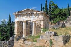 Tesouro dos Athenians no local arqueológico do oráculo de Delphi Foto de Stock Royalty Free