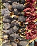 Tesouros da terra, beringelas secadas e pimentas Fotos de Stock