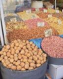 Tesouros da terra, porcas secadas & frutas Fotos de Stock Royalty Free