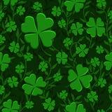 Tessitura senza cuciture del trifoglio di verde del modello di giorno della st Patricks con il fondo delle liane illustrazione vettoriale