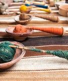 Tessitura tradizionale nelle montagne delle Ande, Perù della mano Fotografia Stock Libera da Diritti