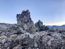 Tessons d'obsidien au sommet de cratère de Panum image stock
