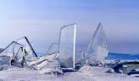 Tessons de glace aussi clair que le verre Photographie stock libre de droits