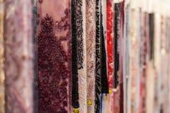Tessuti sullo scaffale Fotografie Stock Libere da Diritti