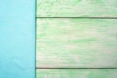 Tessuto della tovaglia su di legno Fotografia Stock Libera da Diritti