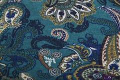 Tessuto di lana dei lavori o indumenti a maglia con il modello floreale multicolore di Paisley Immagini Stock
