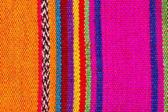 Tessuto indiano variopinto in bande variopinte Fotografia Stock Libera da Diritti