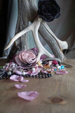 Tessuto rosa e perle Fotografia Stock