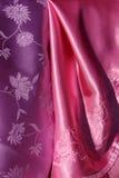 Tessuto serico viola e dentellare Fotografia Stock Libera da Diritti